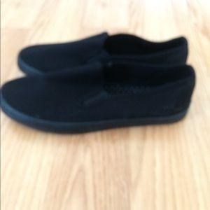 Black sneakers for women's